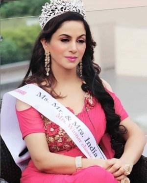 Leena Sharma bio
