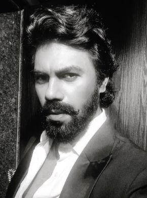 Gaurav Chopra As Aditya Grover in Mxplayer Hello Mini 2