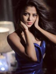 Shivangi Roy As Trisha in palang tod