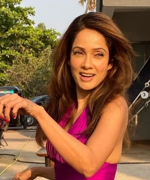 Vidya Malvade As Rashmi In Koi Jaane Na